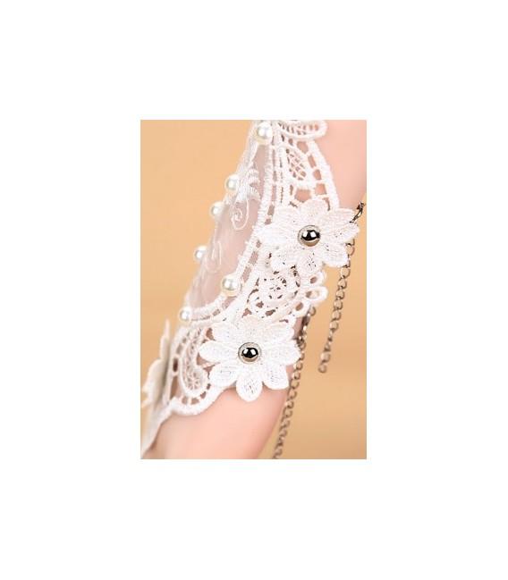 Handschmuck mit Spitze und Perlen - AT14171