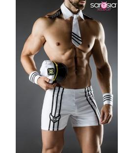 Sexy Kapitäns-Kostüm von Saresia MAN roleplay, besteht aus Shorts, Mütze, Kragen, Krawatte, Manschetten.
